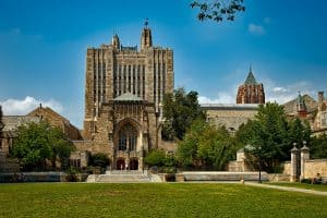 picture of Yale building