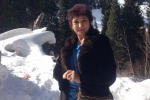 photo of singer radhida dawut