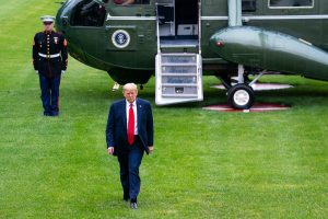 trump disembarks marine one