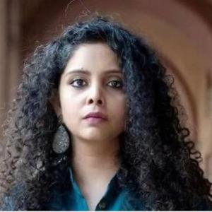 Rana Ayyub headshot