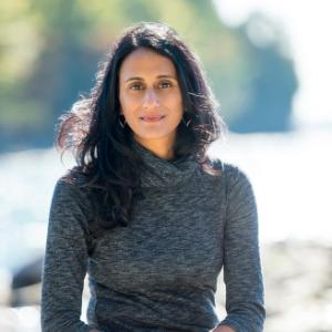 Bina Venkataraman headshot