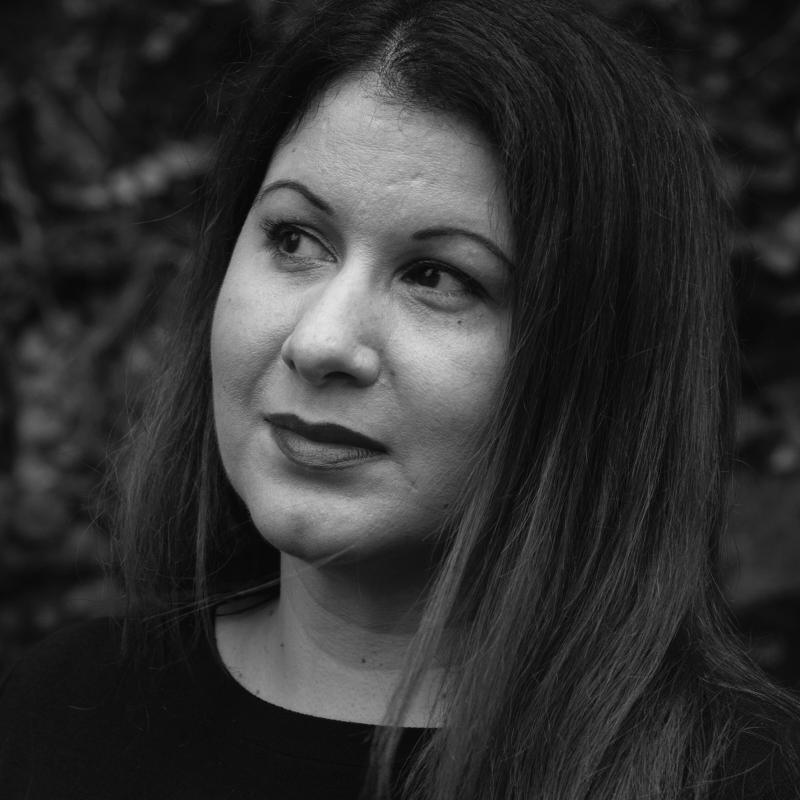 Ana L. Méndez-Oliver headshot