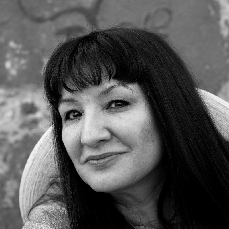 Sandra Cisneros headshot