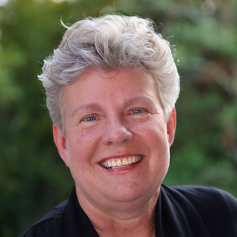 Gail Newel headshot